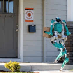 今週の注目5社:人型ロボット / 屋内農園 / テキストメッセージ学習 / 短期アパートレンタル / パーソナルトレーニングアプリ